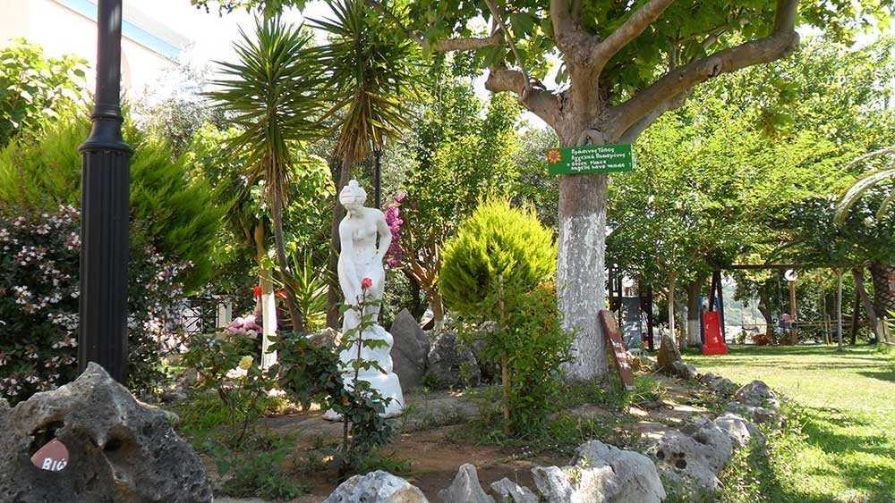 εξωτερικοί χώροι κήπος2