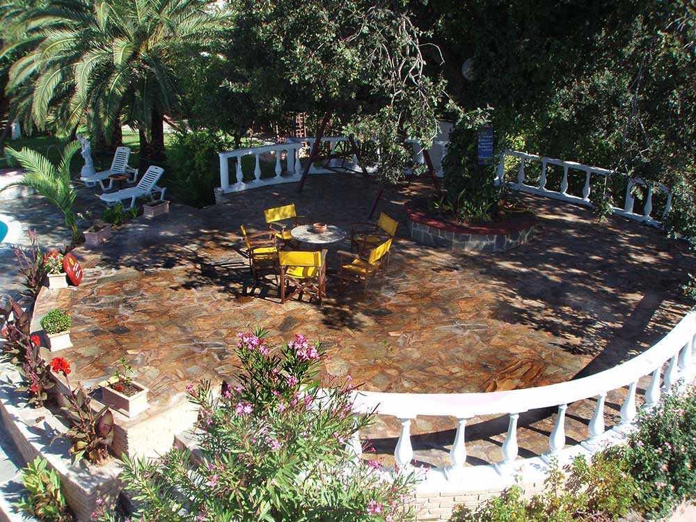 εξωτερικοί χώροι κήπος3
