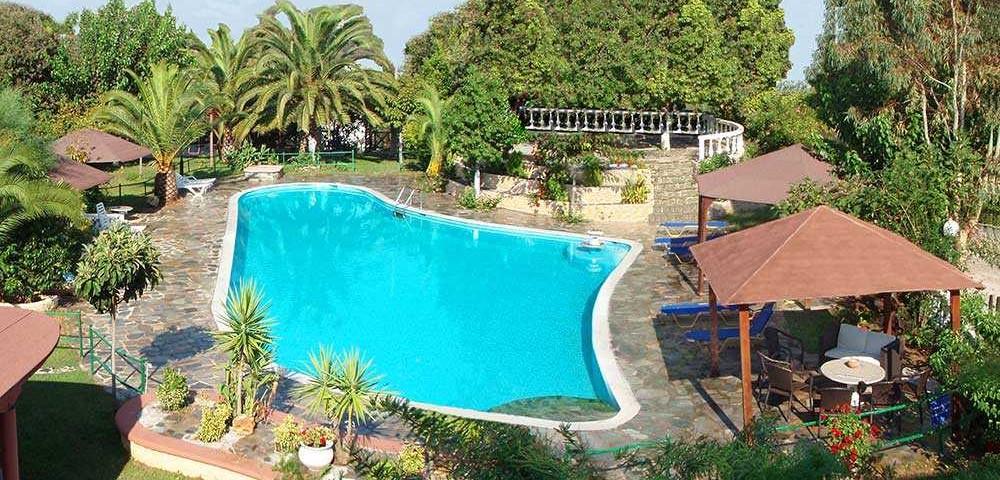 εξωτερικοί χώροι πισίνα 3