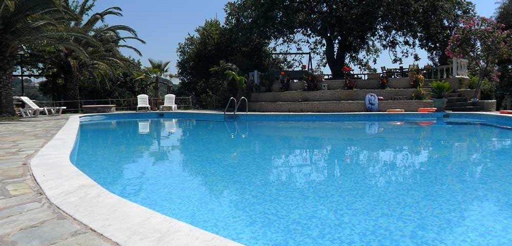 εξωτερικοί χώροι πισίνα 4