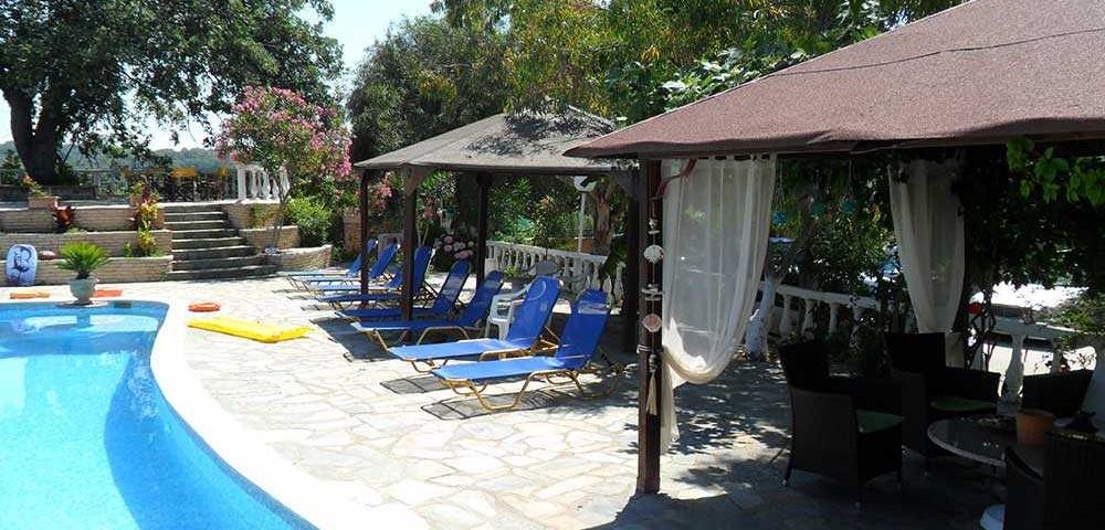 εξωτερικοί χώροι πισίνα 8