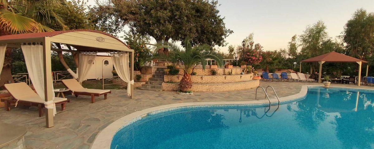 εξωτερικοί χώροι villa pappas 3